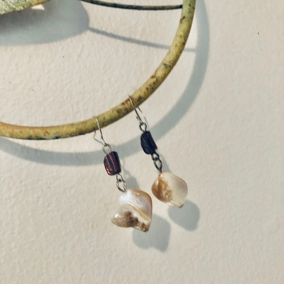 ❤️ Chico's Neutral Stone French Wire Earrings